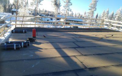 Huopakattojen asennukset eivät hiljenny täysin talvellakaan